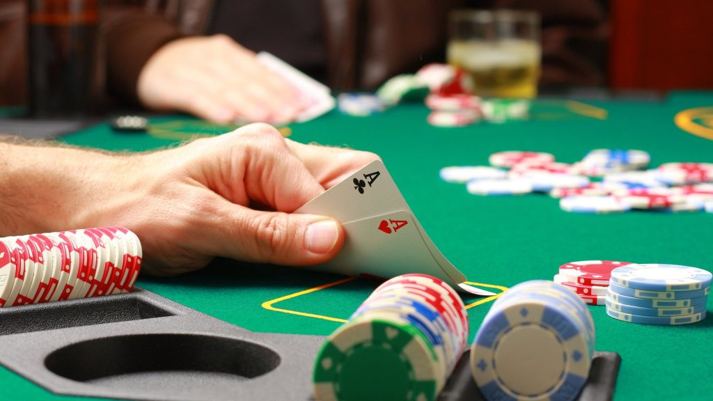 A Comprehensive Guide to Online Poker: What You Need To Know
