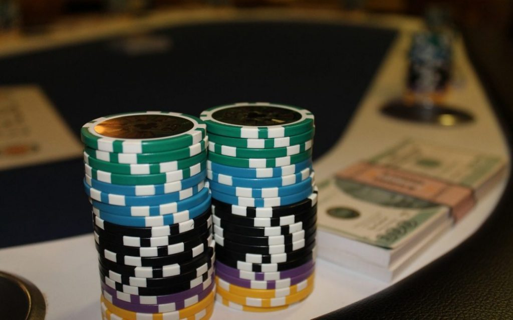 Play the Poker Game Online With Real Intend