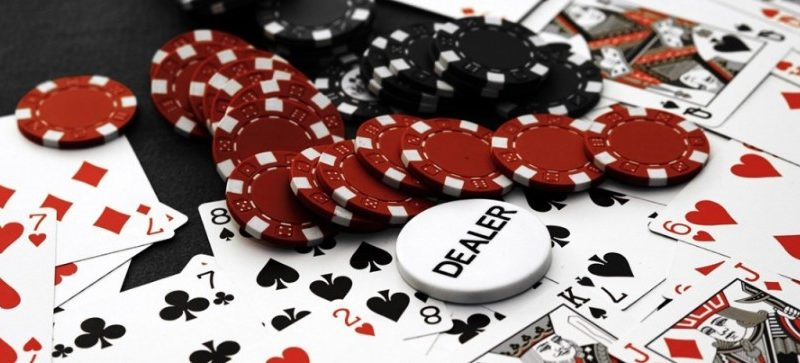 The advantages and disadvantages of online poker that you have to know