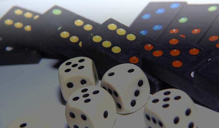 Benefits of Playing At Poker Websites Online